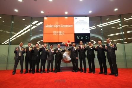 柠檬会计提醒您:香港80%以上的投资者是机构,他们对于投资标的的选择较散户更为挑剔,香港对上市公司的监管也比内地更为严格,因为不诚信而锒铛入狱的上市公司高管并不少见。所以,到香港上市对公司治理的规范程度提出了更高的要求。因此港交所更容易收到投资者的青睐。